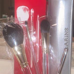 Clarins brushes